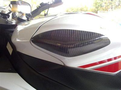 R6 08/16 Carbon Tank Protectors
