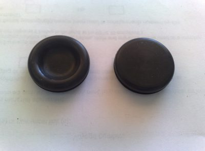 25mm Bellypan rubber plugs